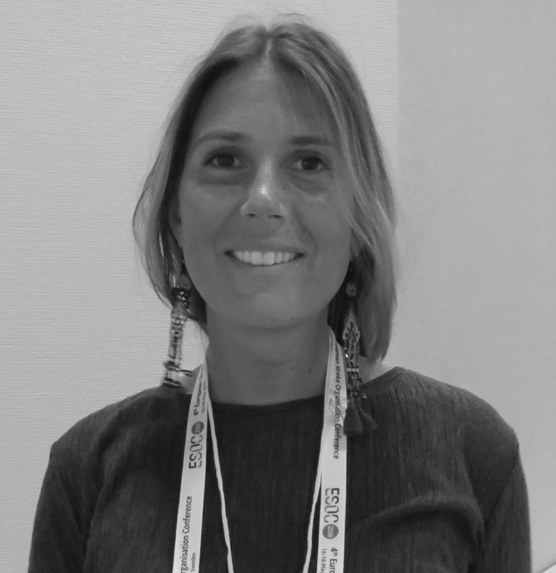 Dra. Mariana Carvalho Dias